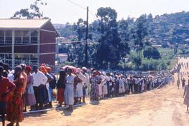 Voters waiting long hours at Ohlanga polling station. South Africa, 1994.